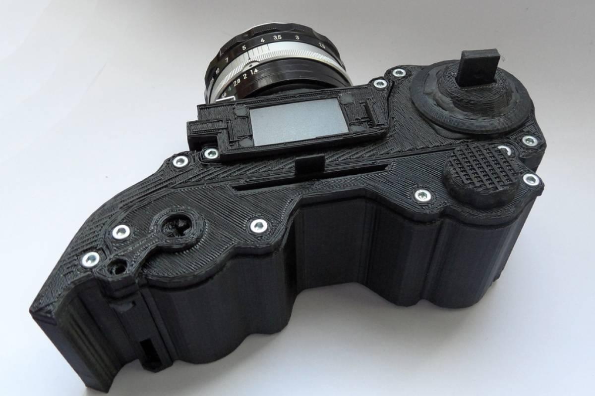 Diseñador publica planos e instrucciones para fabricar cámara de fotos con impresora 3D