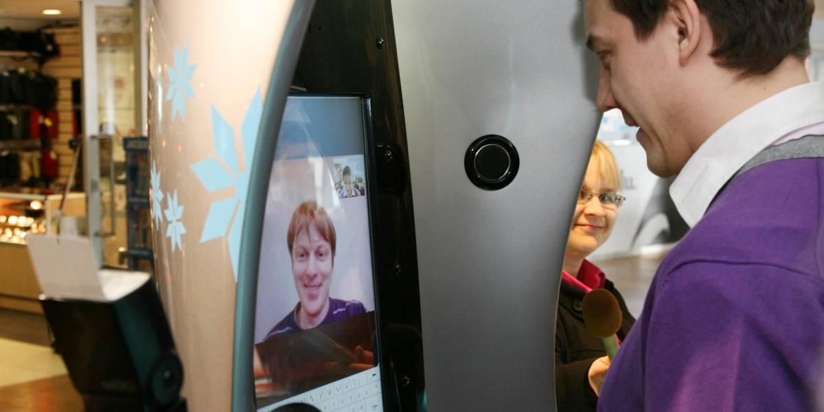 Instalan en un aeropuerto de Estonia la primera cabina para llamadas por Skype