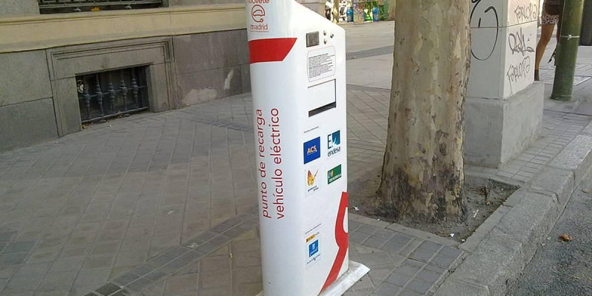 """España: Desarrollan """"electrolinera"""" que recarga vehículos en tiempo récord"""