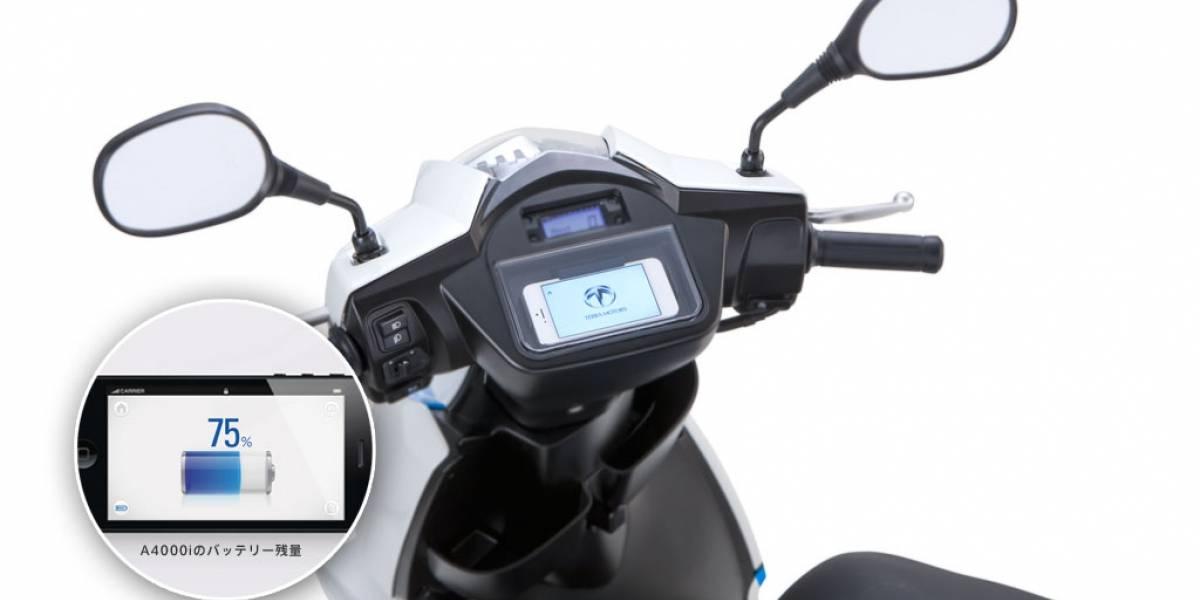 Japoneses podrán adquirir la primera motoneta eléctrica con conector para iPhone