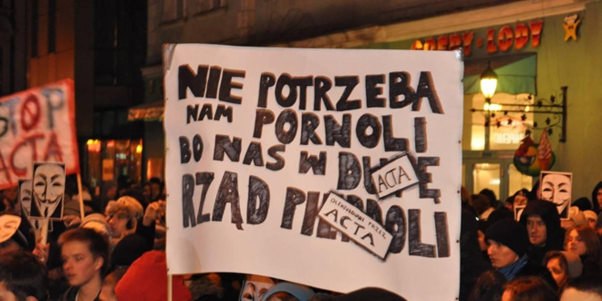 Países europeos firman el ACTA y se reavivan protestas en contra