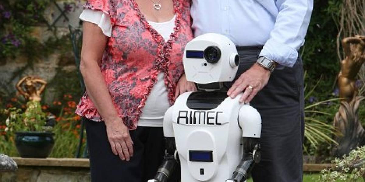 """Pareja de inventores crea un """"hijo robot"""""""