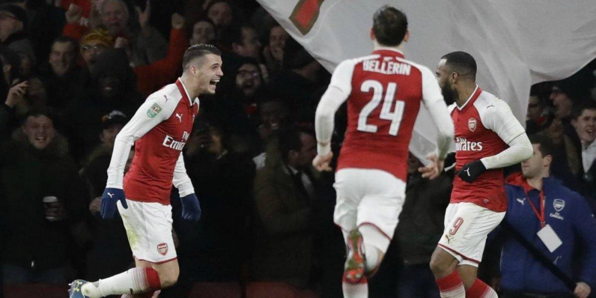 Arsenal no echó de menos a Alexis para vencer a Chelsea y avanzar a una nueva final