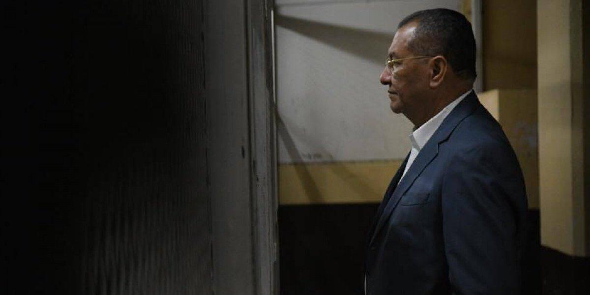 Diputado Arístides Crespo pasa la noche en la carceleta de Tribunales