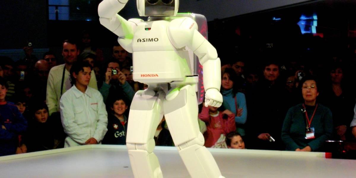 Robot Asimo debuta como guía de museo, pero se confunde con los visitantes