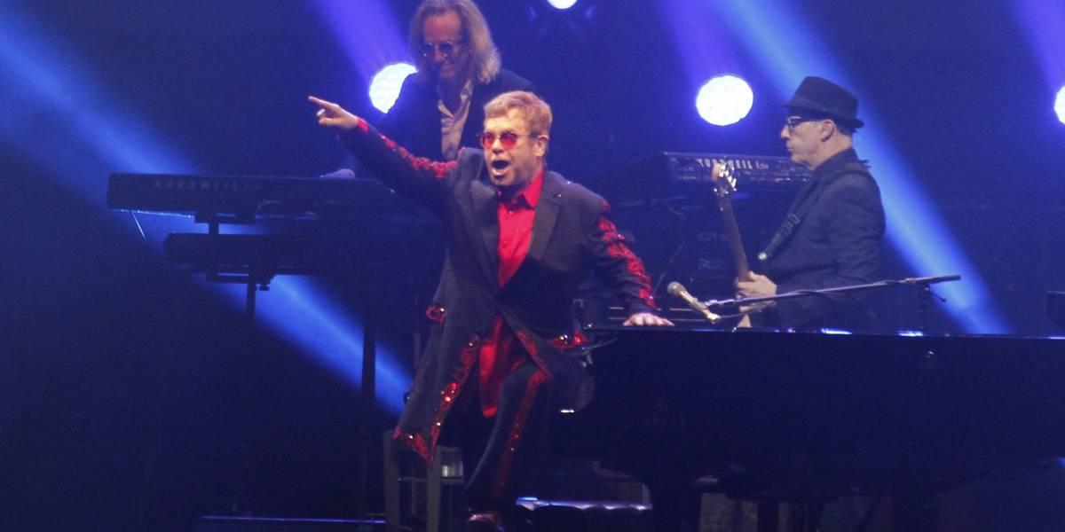 Elton John anuncia su retiro de los escenario