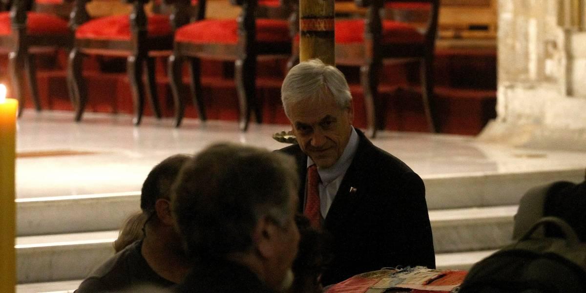 La incómoda irrupción de Piñera durante el velorio de Nicanor Parra