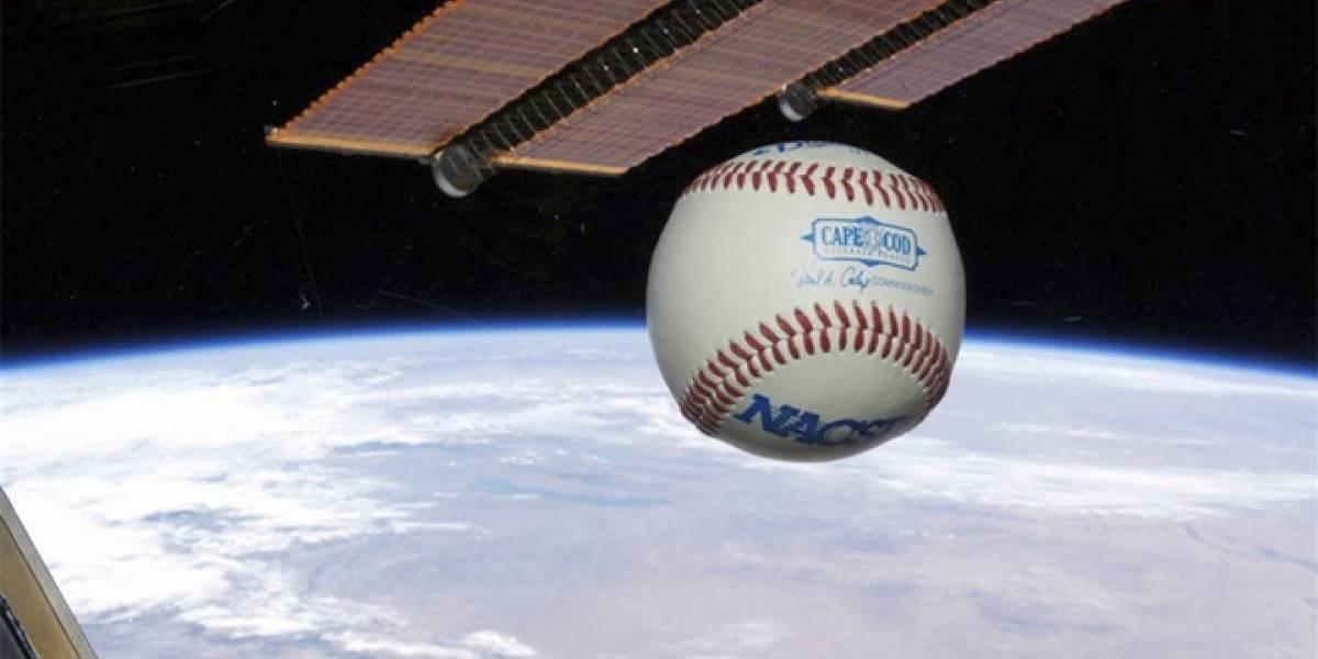Así se juega béisbol en la Estación Espacial de la NASA