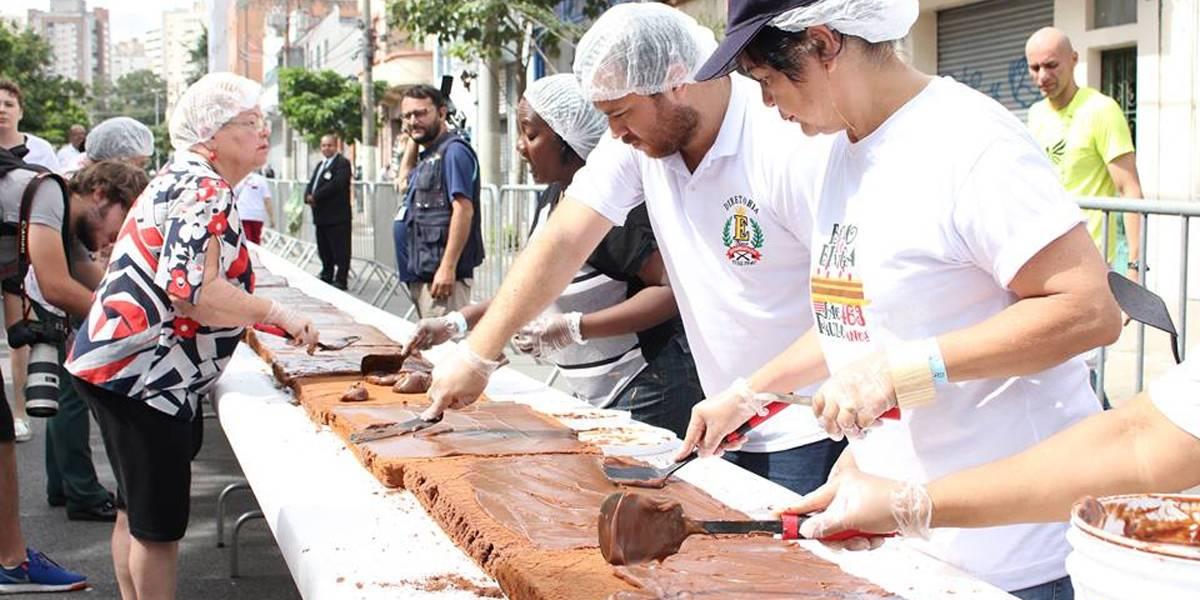 Saiba como fazer parte da tradicional festa do bolo gigante em São Paulo