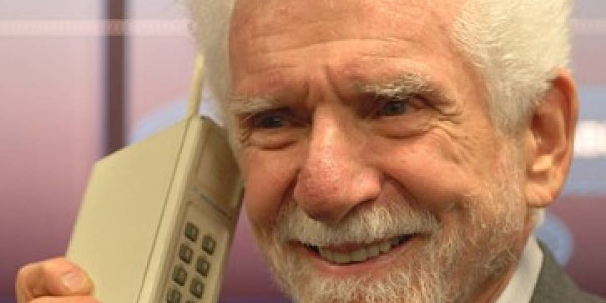 "Según Martin Cooper, los celulares son cada vez ""más complicados"""