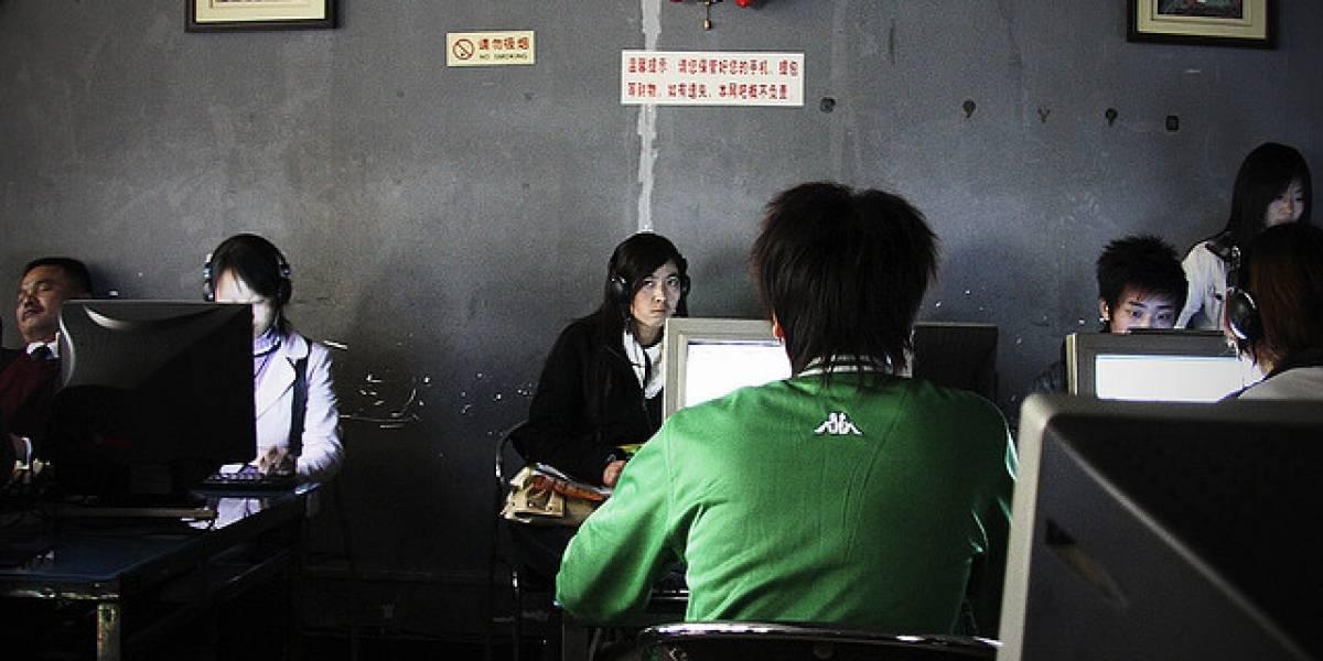 Chino muere en cibercafé después de jugar/apostar durante 3 días sin parar
