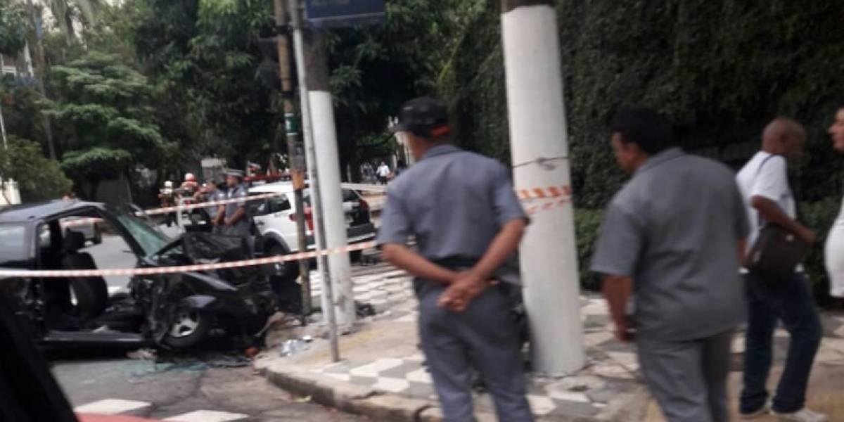 Dois acidentes na mesma rua complicam o trânsito em Higienópolis