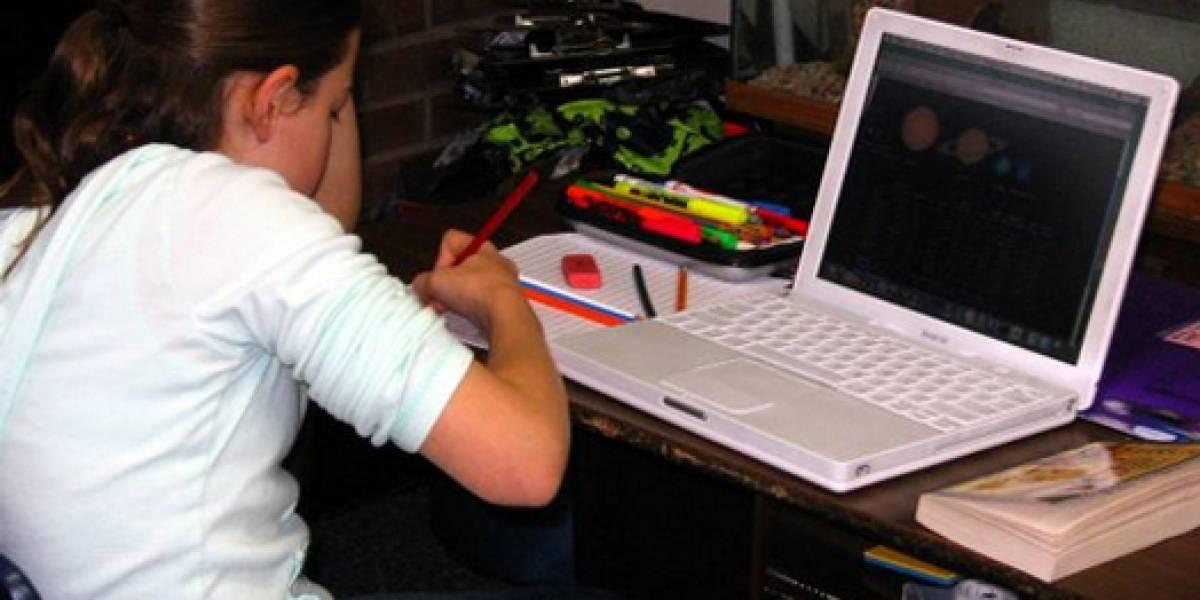 """Adolescentes sufren la """"Depresión Facebook"""""""