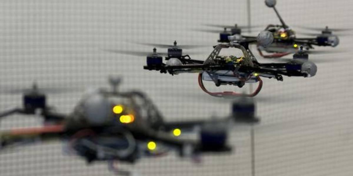 Quadricópteros juegan a encestar pelotas