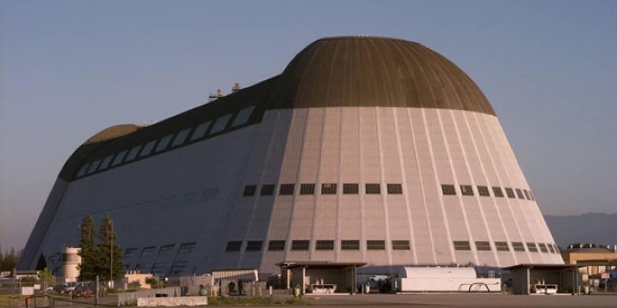 Google quiere que la NASA le alquile su mayor hangar