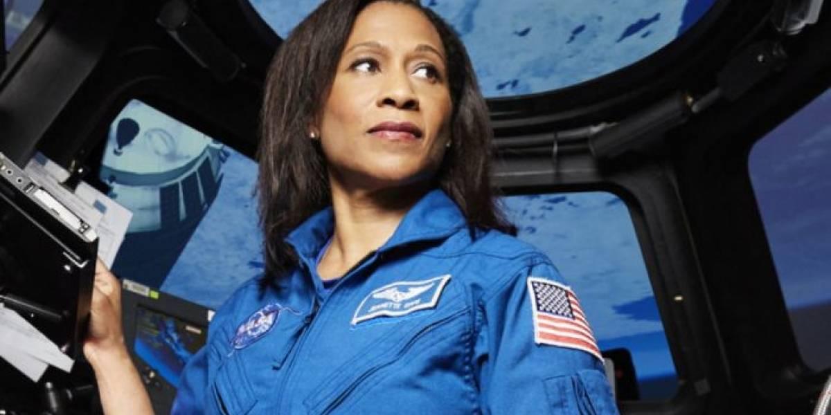Astroanuta afroamericana de la NASA ya no llegará al espacio en 2018
