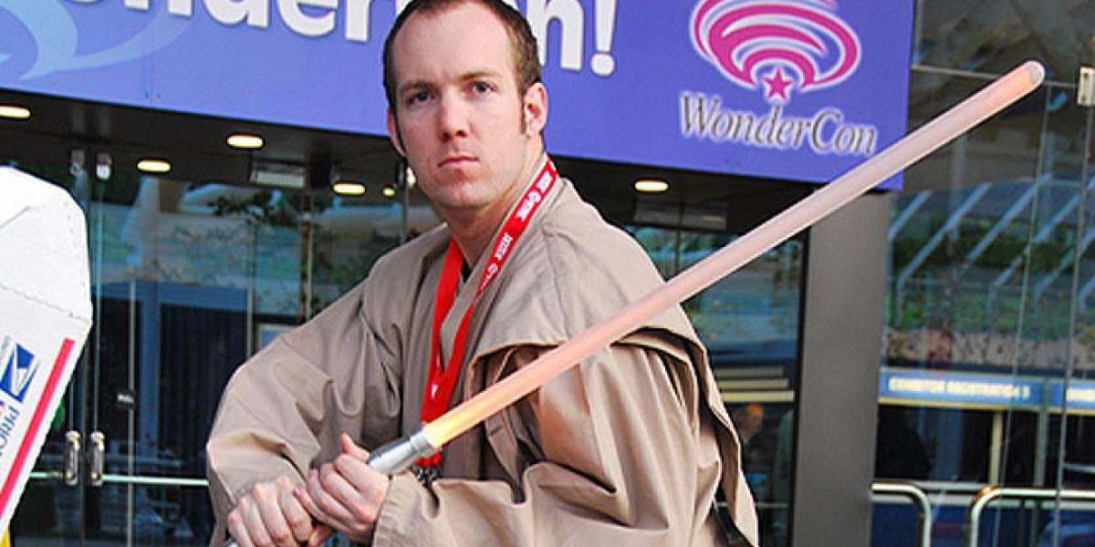 Supuesto Jedi ataca a policías con sables de luz... de juguete