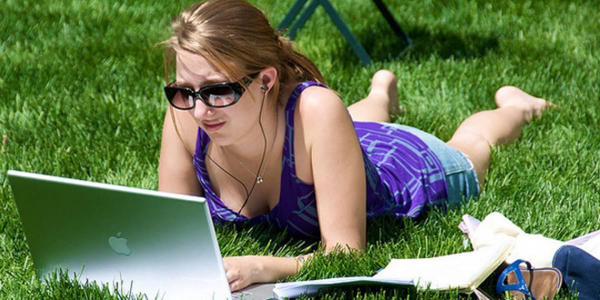 Estudio revela que la mayoría de los jóvenes usa internet para pasar el tiempo