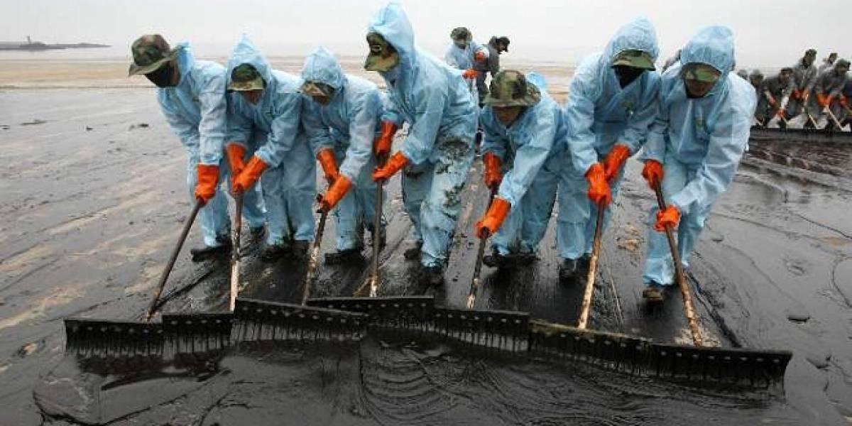 Científicos crean jabón magnético que podría limpiar los derrames de petróleo