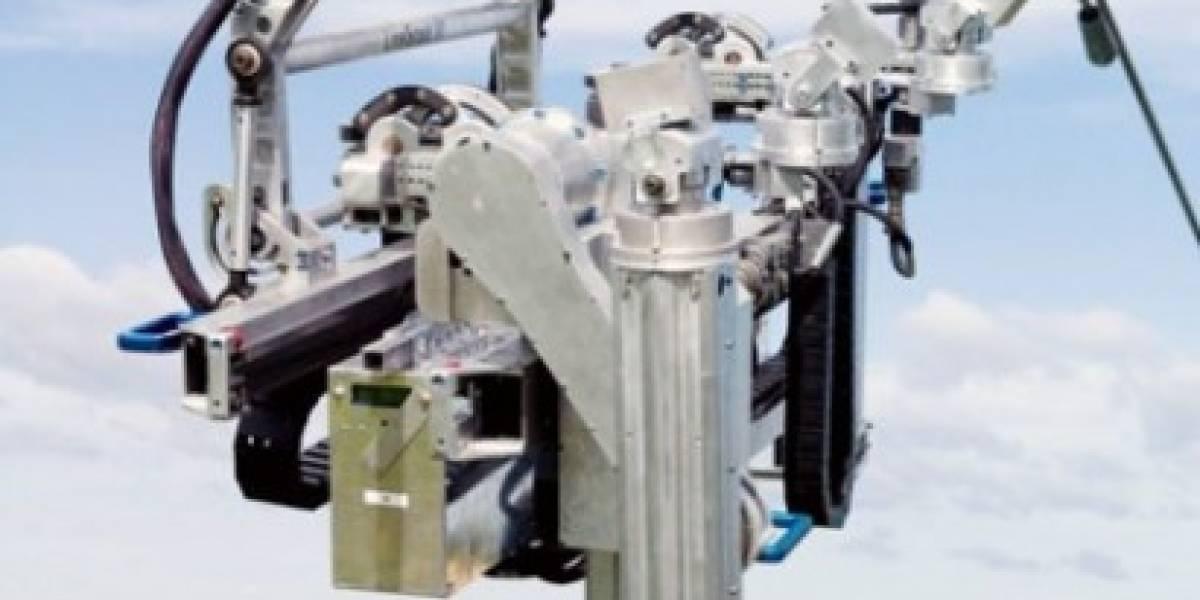 Crean robot que mantiene cables de alta tensión