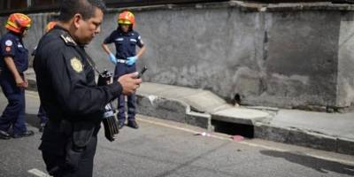 localizan cadáver de hombre en tragante en zona 13