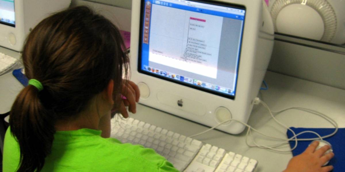 Menores desprotegidos en la Red: El 75% accede a Internet sin control parental