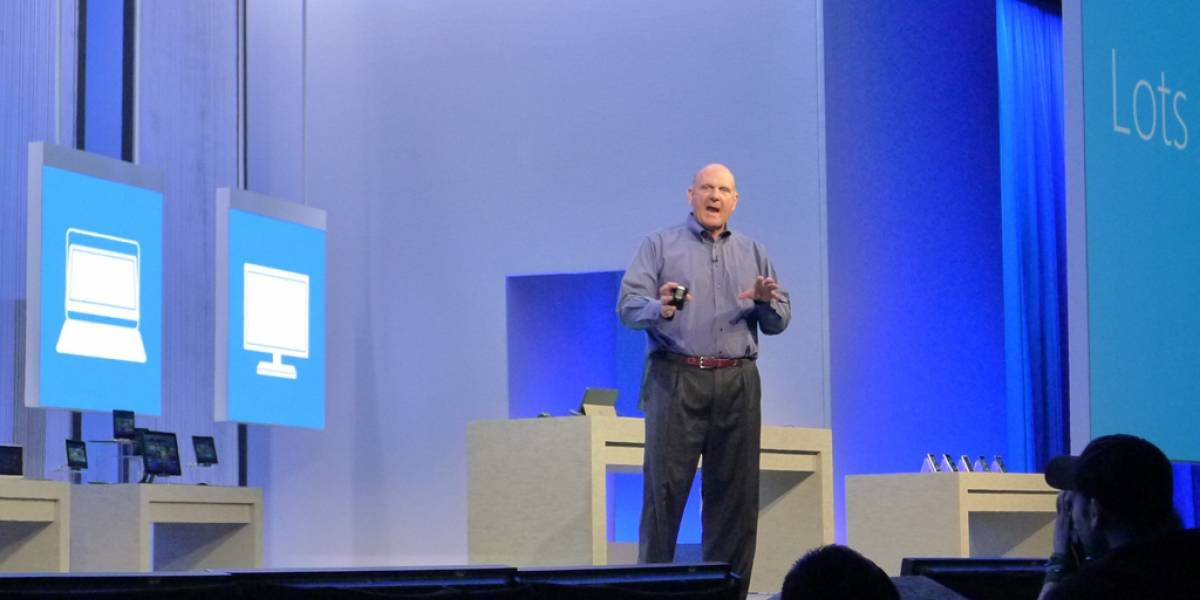 Ballmer admite que fabricaron más Surface RT de los que pueden vender
