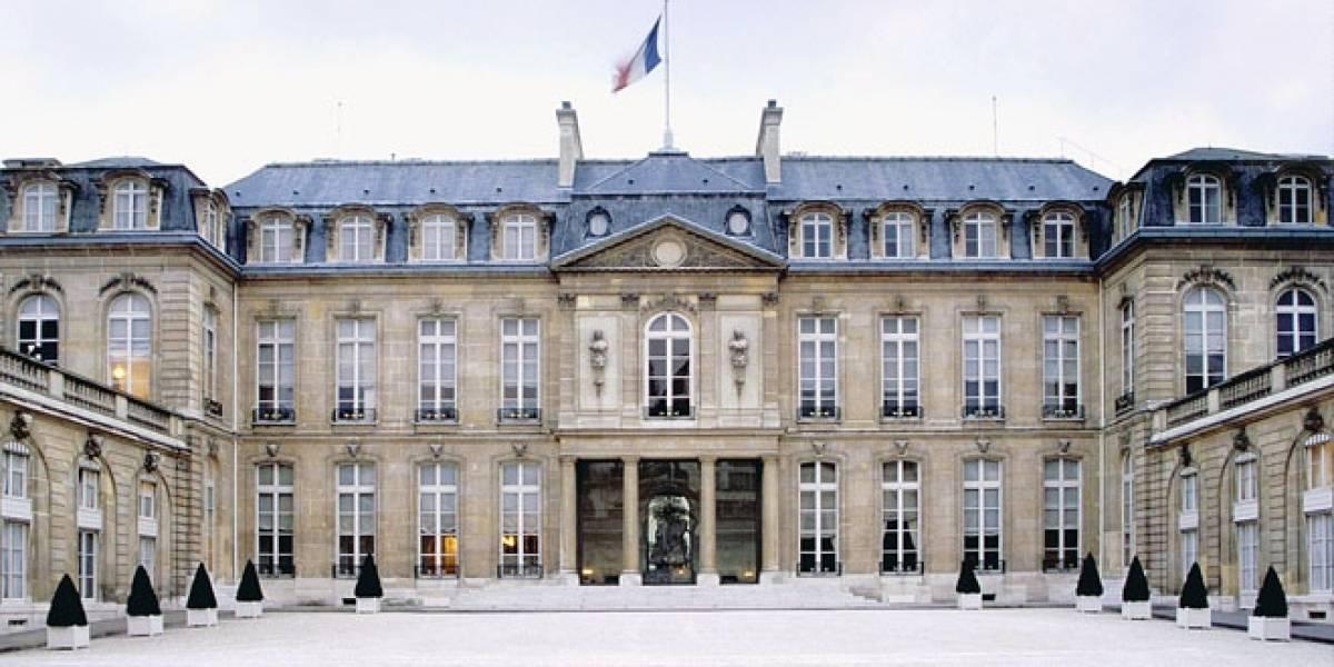 En la residencia del Presidente francés también descargan piratería