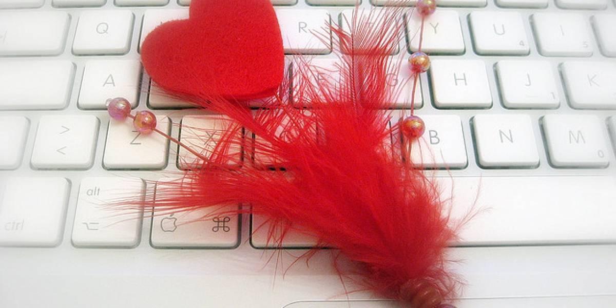 Estudio: El uso de Twitter y Facebook libera la misma hormona presente en los besos y abrazos