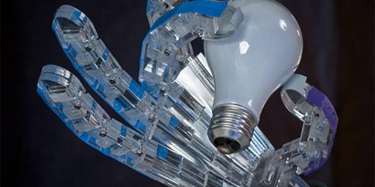 Virginia Tech desarrolla mano robótica operada por aire comprimido