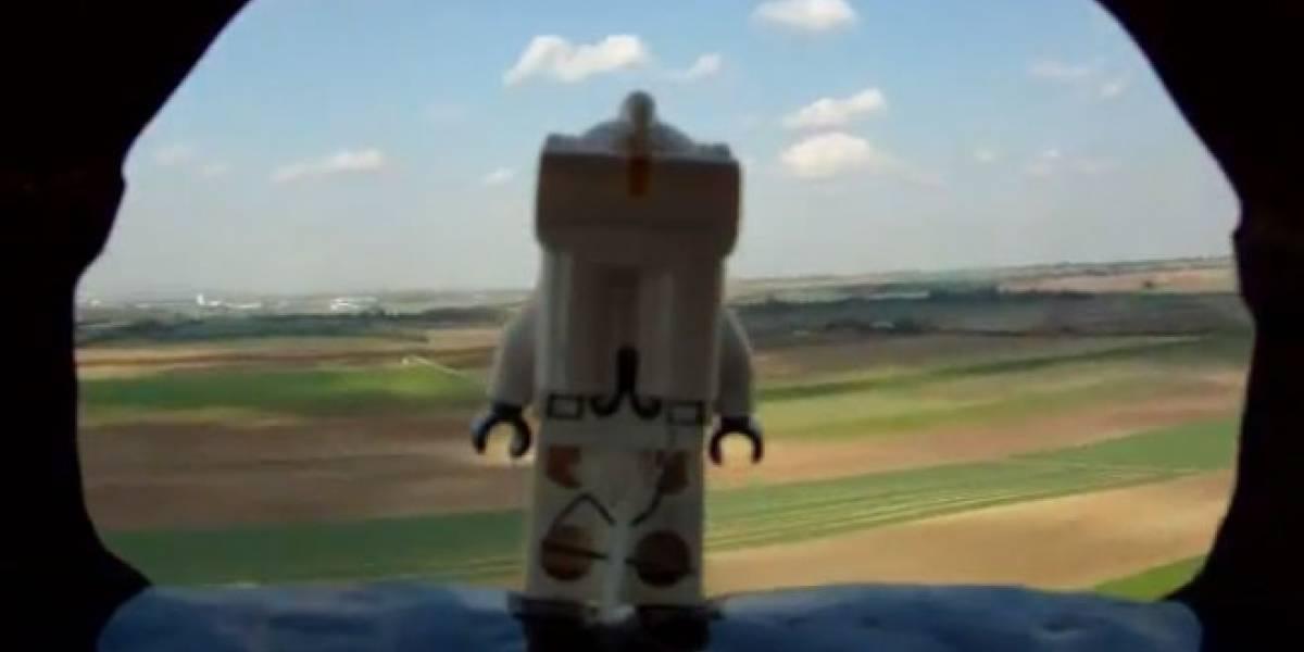 La versión LEGO del salto de Felix Baumgartner en vídeo