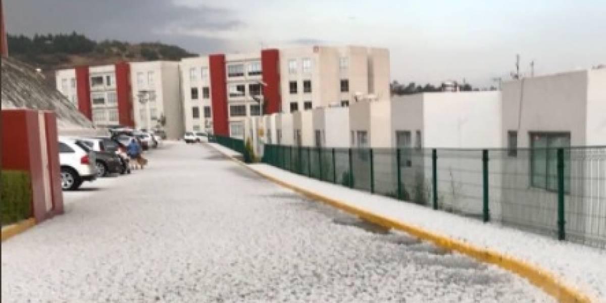 Granizo sorprende y pinta de blanco calles de Atizapán