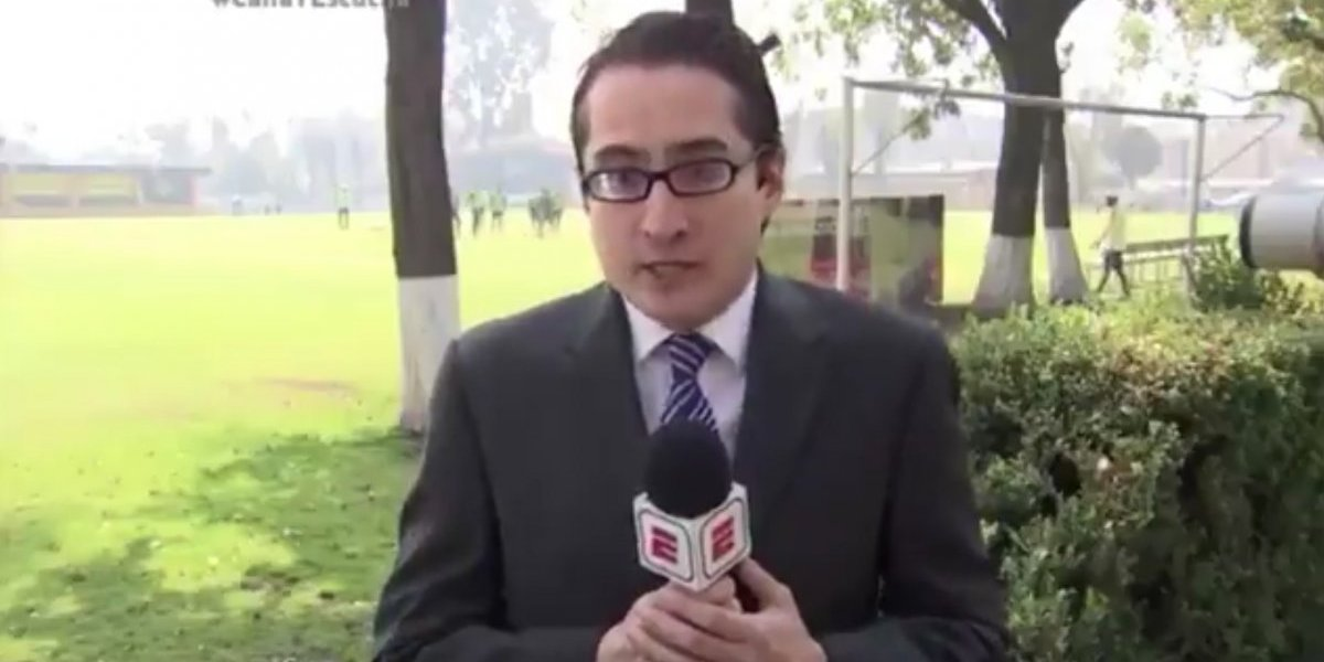 VIDEO: Darwin Quintero trató de dar balonazo a reportero
