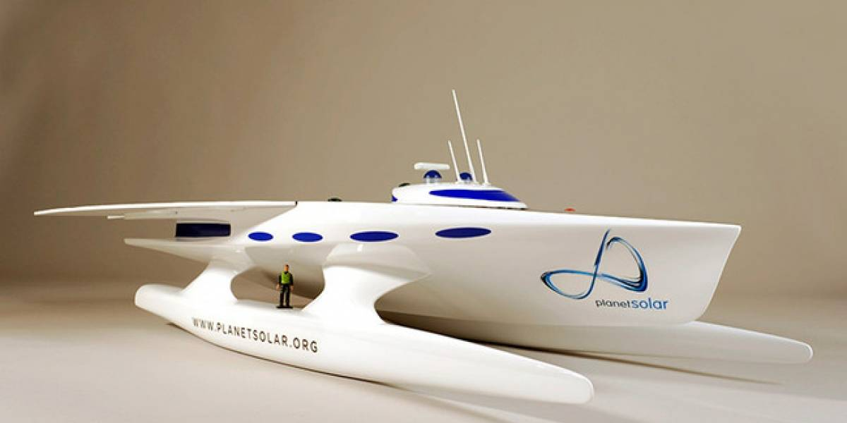 Construyen barco solar que dará la vuelta al mundo