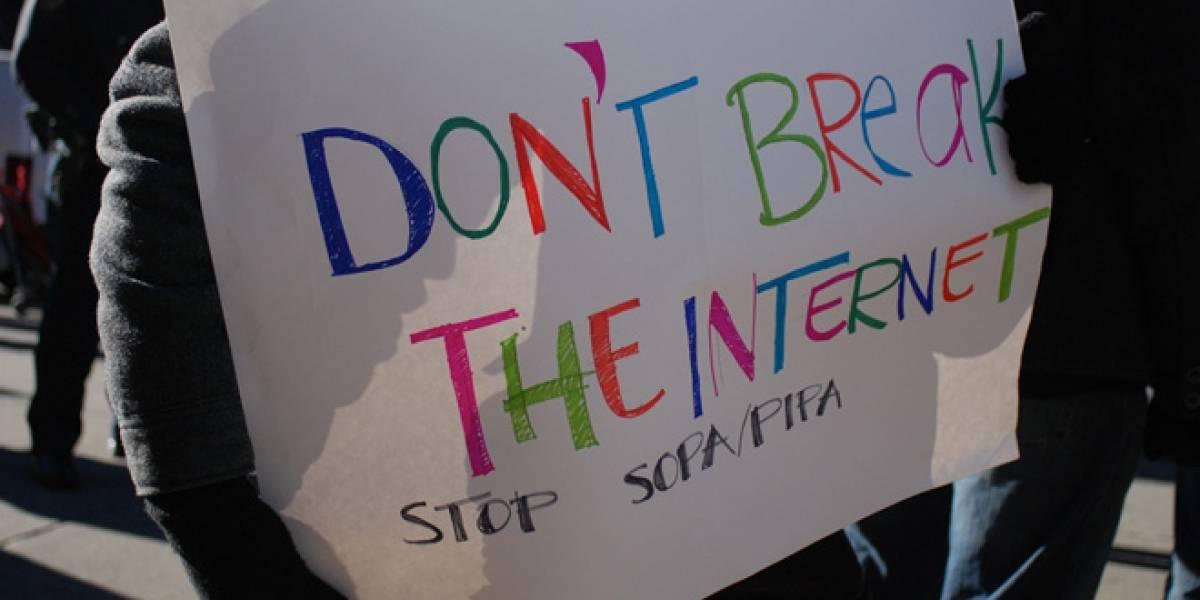 """Usuarios de Reddit intentan crear el """"Acta de Internet Libre"""""""