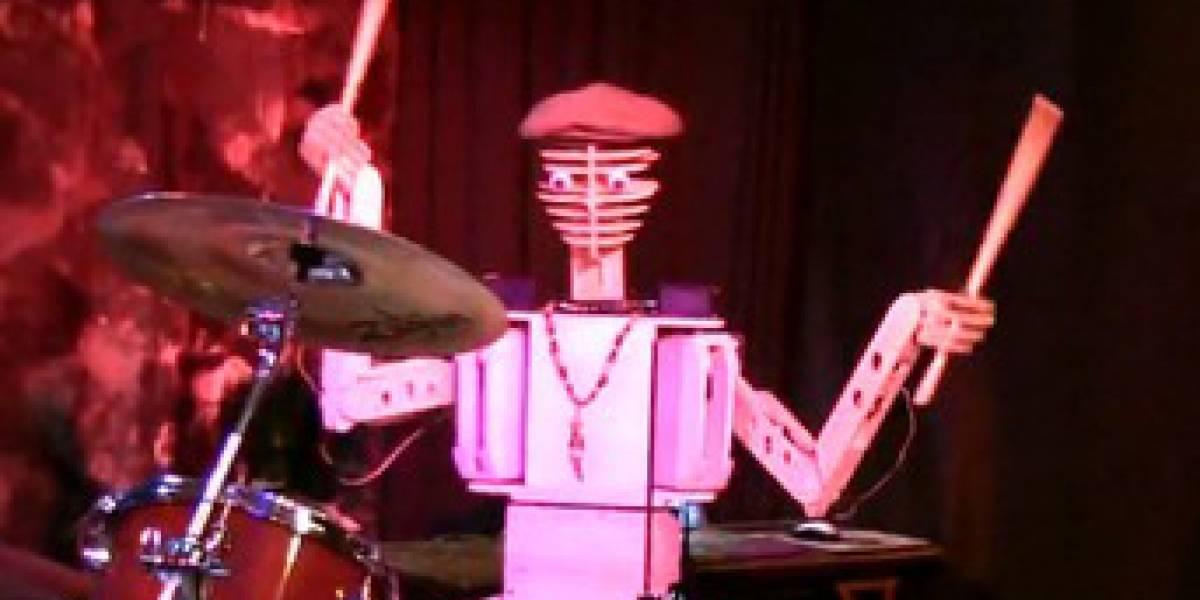 Bateristas, junten miedo: llegó Spruce Deuce, el robot batero