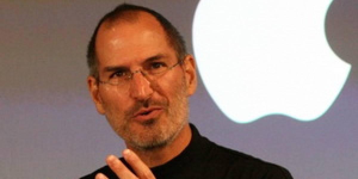 Steve Jobs sigue trabajando desde su casa