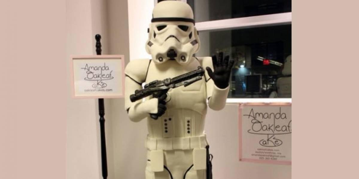 Stormtrooper de pastel a tamaño natural