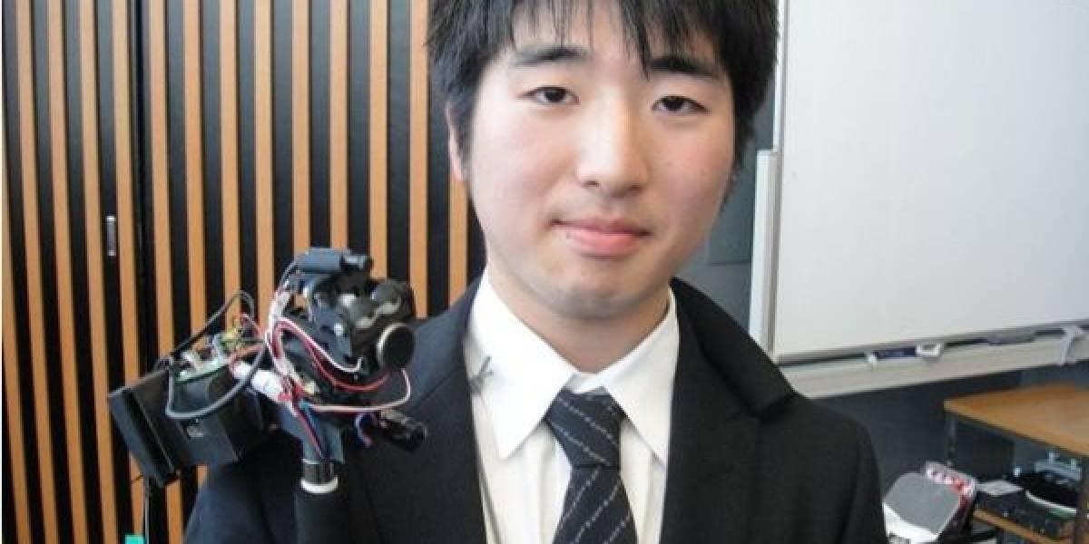 TEROOS, el avatar robotico que te hace ojitos y te susurra al oído