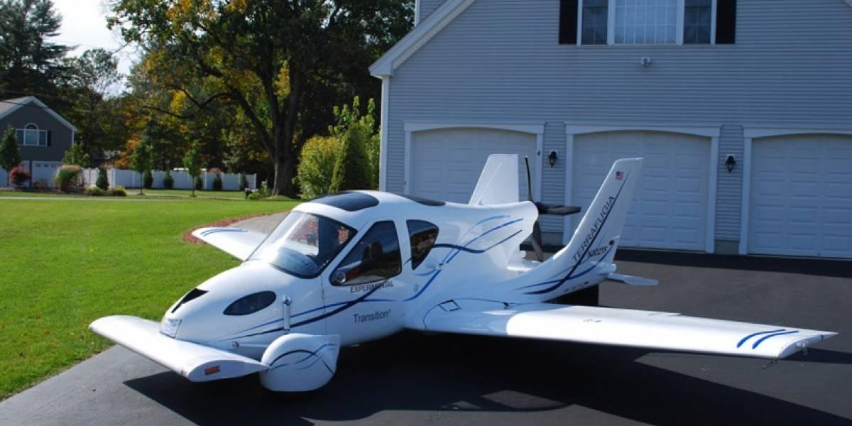 El auto volador Terrafugia entró en producción y estará a la venta este año