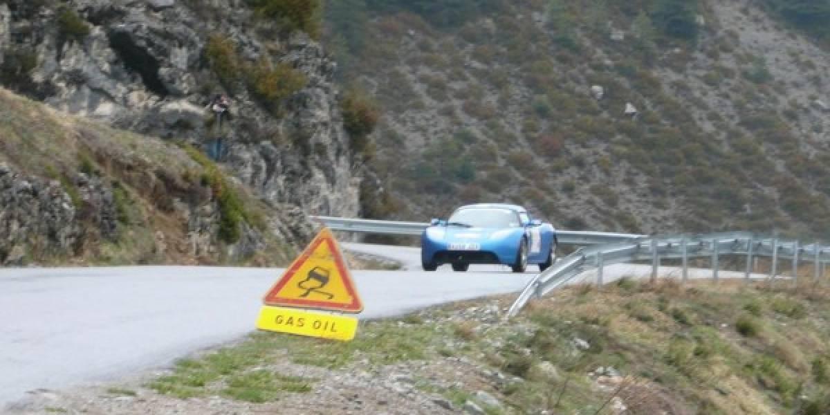 El Tesla Roadster marca récord de autonomía