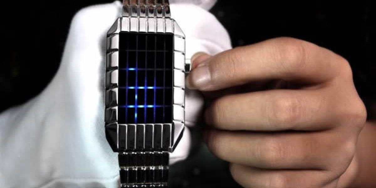 Este reloj de película ciencia ficción requiere de un par de clases para descifrarlo