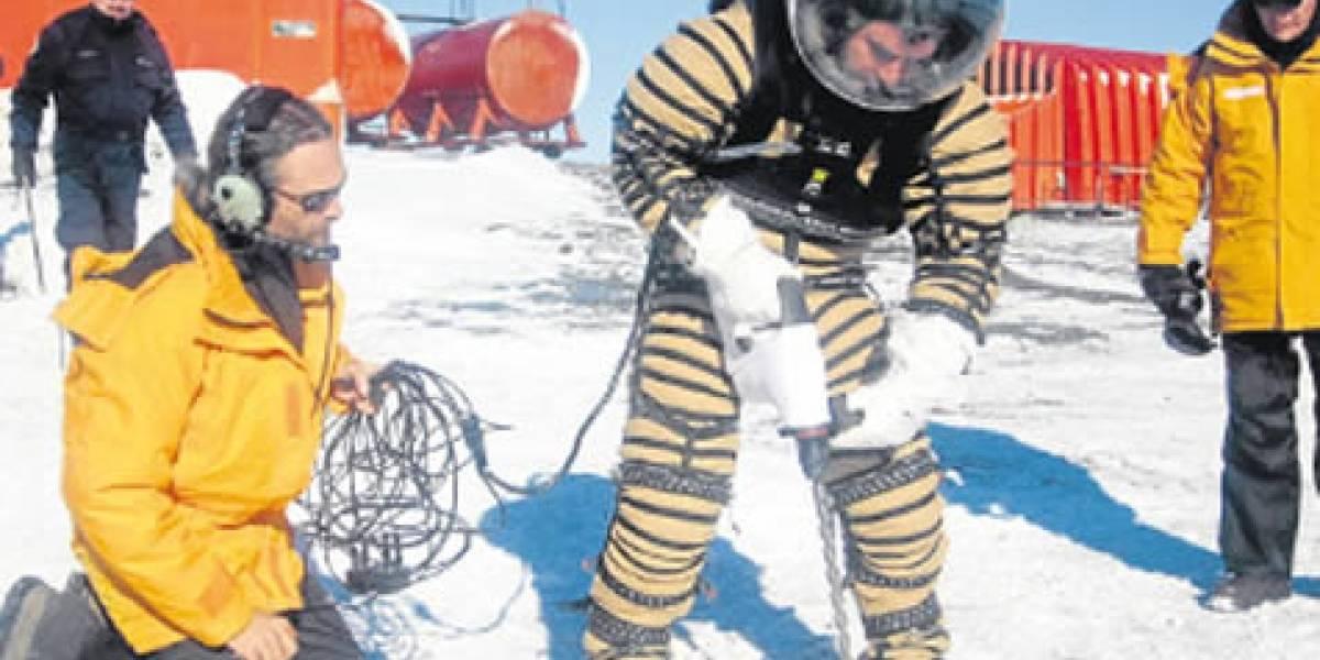 Argentino prueba con éxito traje espacial diseñado para misiones a Marte