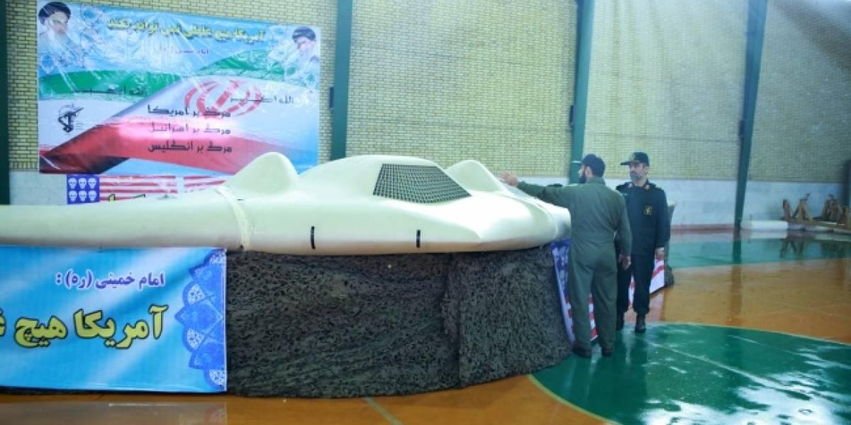"""Irán exhibe UAV de Estados Unidos """"derribado"""" por sus sistemas de defensa"""