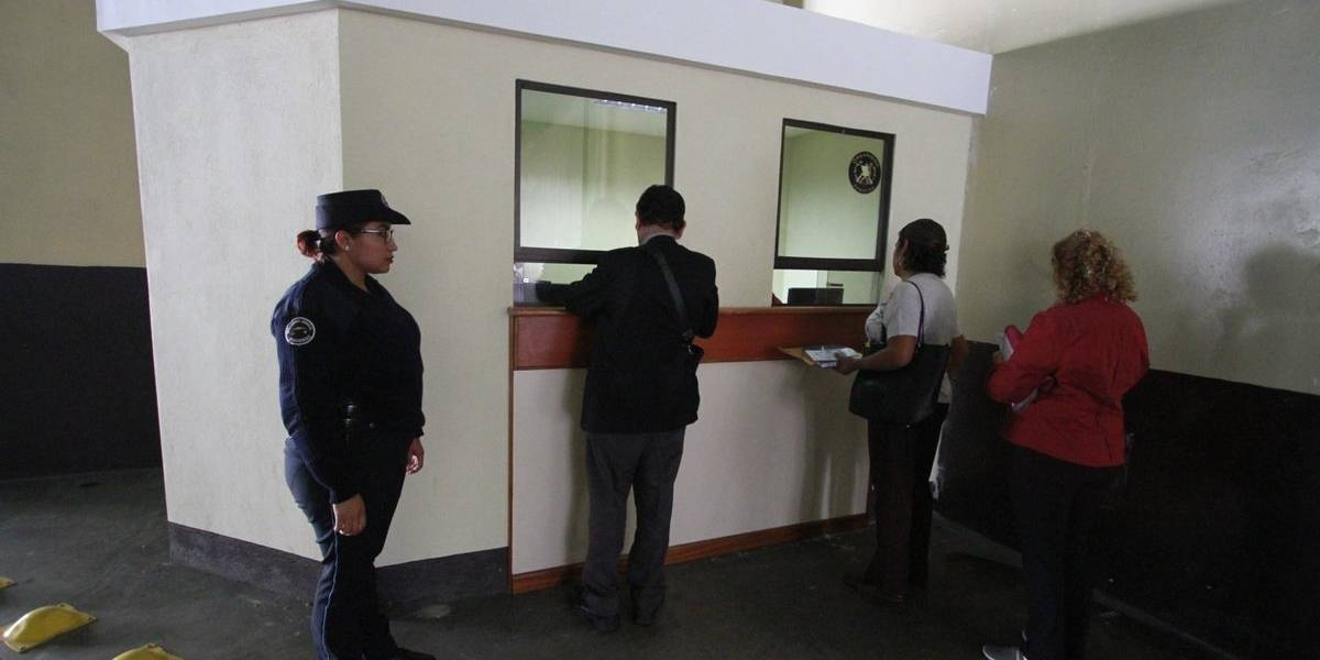 Habilitan ventanilla especial de atención para abogados en unidad de antecedentes penales
