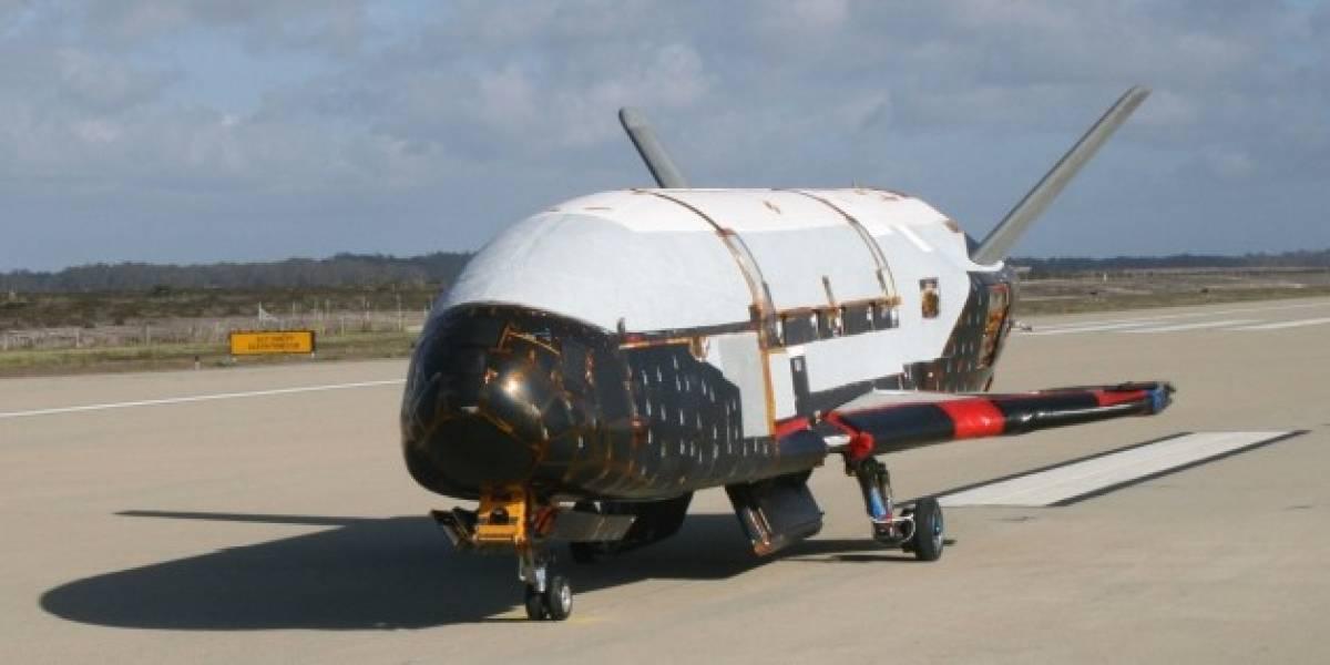 Nave misteriosa de EE.UU. vuelve de misión secreta en el espacio