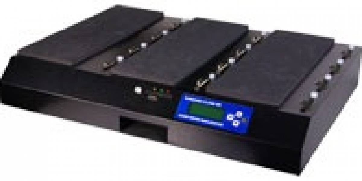 El Kanguru Hard Drive Duplicator SATA copia hasta 12 discos duros a 6GB por minuto