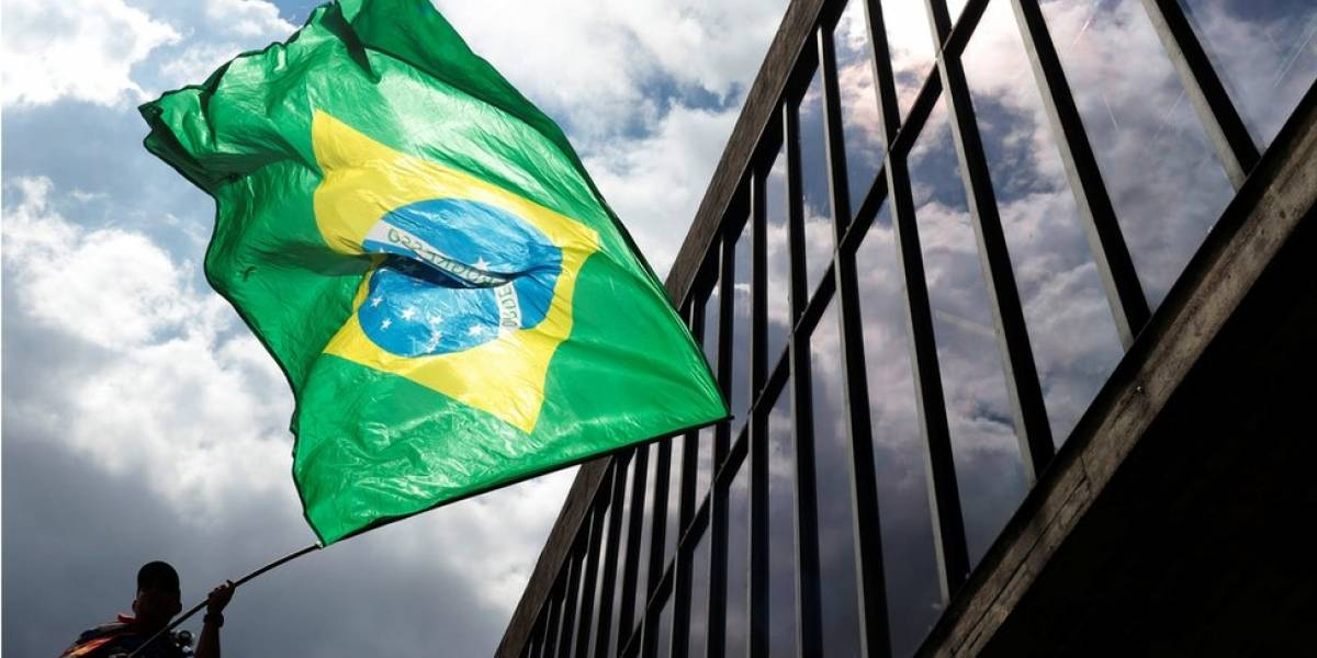 """De """"mercado eufórico"""" a """"democracia ameaçada"""", as visões de analistas estrangeiros sobre o caso Lula"""