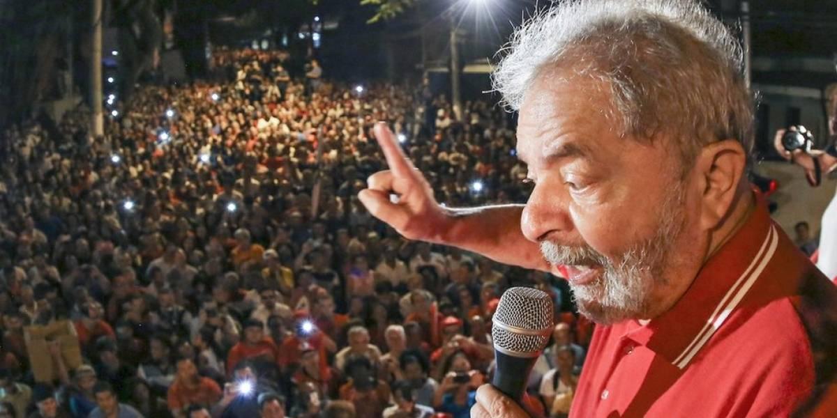 Desembargador do TRF-4 nega pedido de advogados para apreender passaporte de Lula