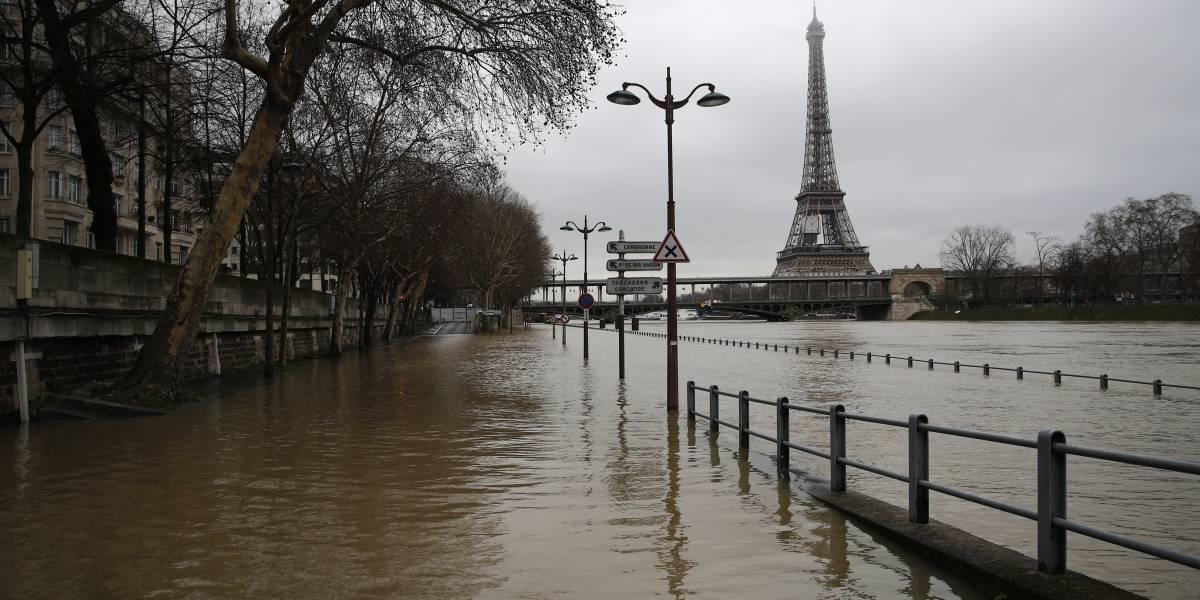 París inundada: las lluvias desbordan el río Sena